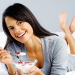 Healthy breakfast woman